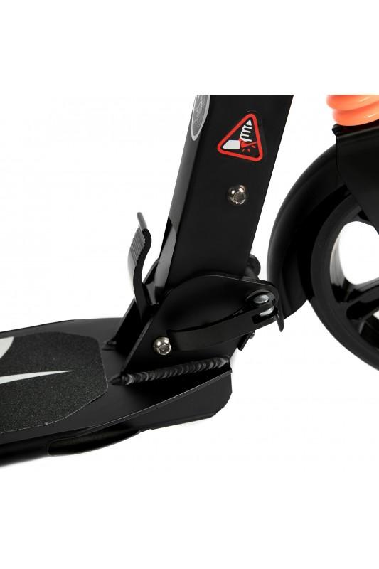 Paspirtukas Urban su amortizatoriais bei stabdžiais (dideli ratai) juodas